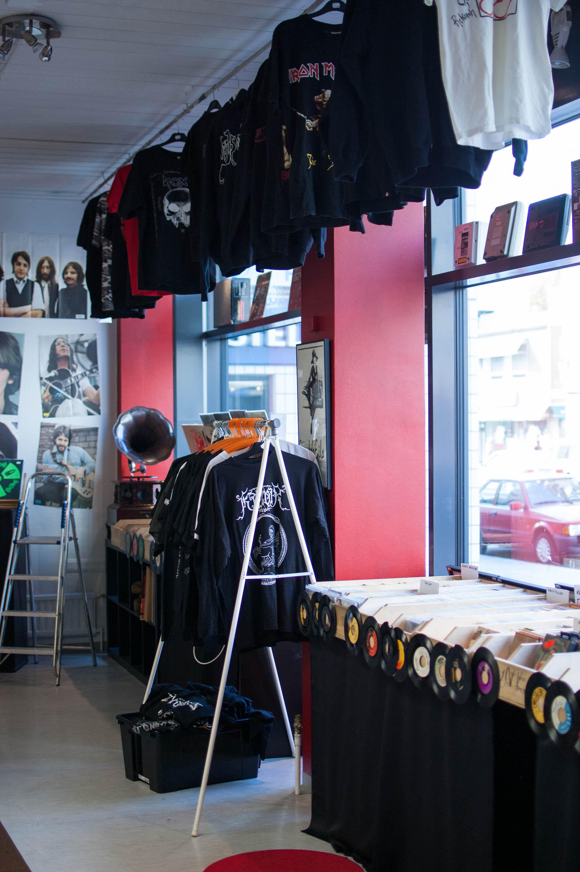 Kävely levykauppojen Turussa | Rosvot