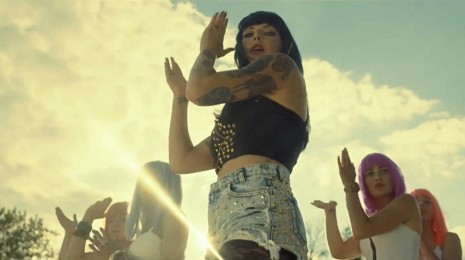 Sleigh Bells – Bitter Rivals (Video)
