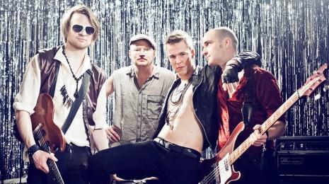 Kuuntele Spotifyssa: Olavi Uusivirta – Kauneus sekoittaa mun pään