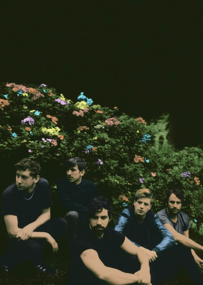 Foals - Neil Krug - Skinny 2014 Press shot – Kopio