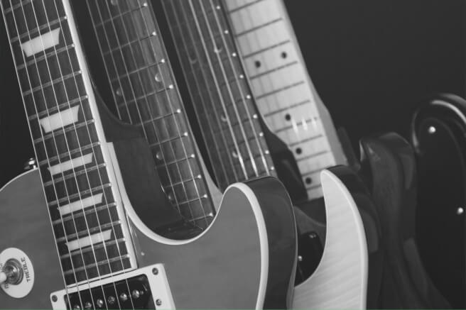 Black_and_White_Guitars