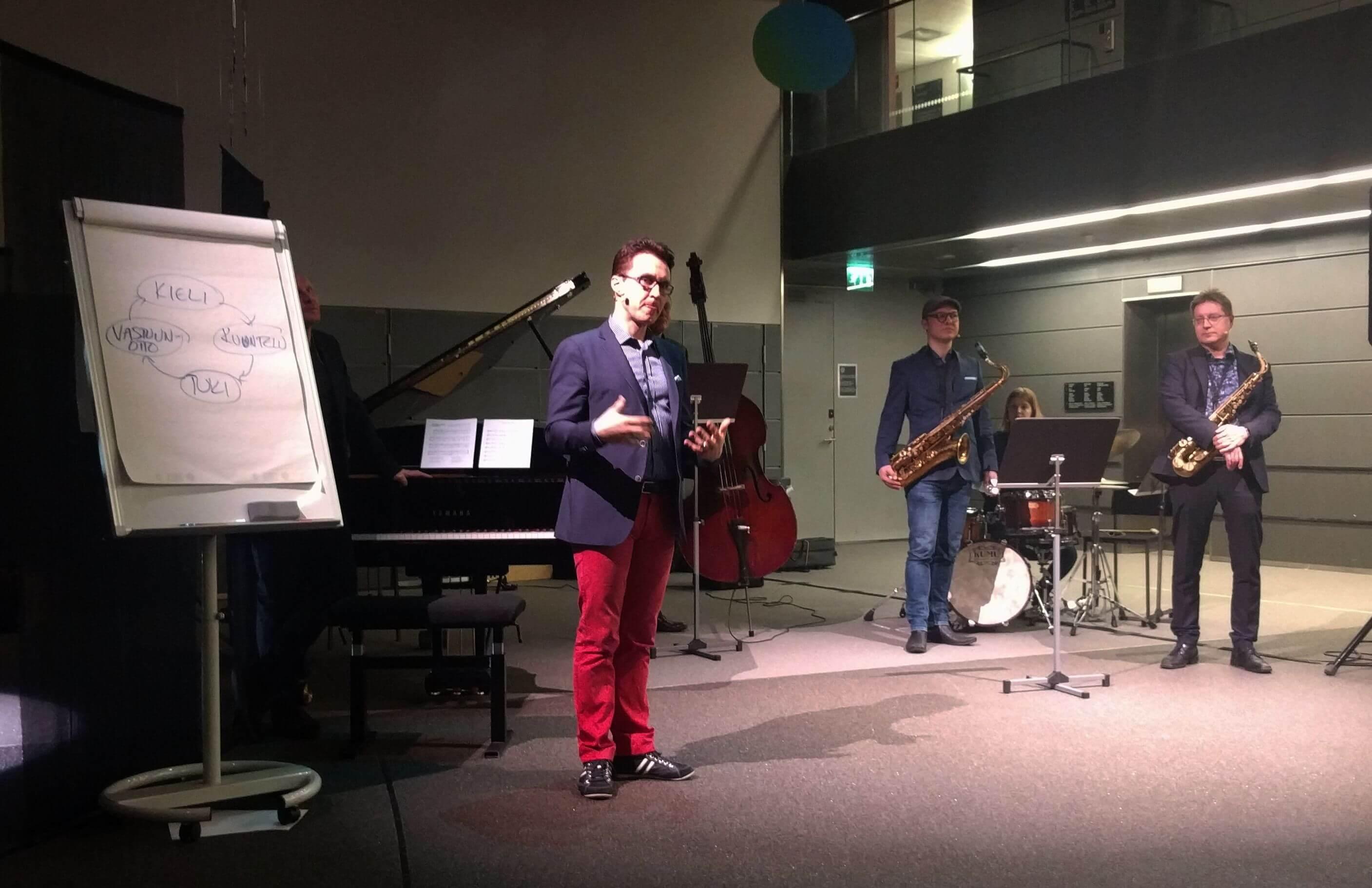 Furu kiteyttää jazzjohtamisen teesit: kieli-kuuntelu-tuki-vastuunotto