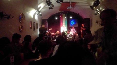 Jazzrytmejä Prahassa 5 – Milesin sähköisillä jäljillä Jazz Republicissa