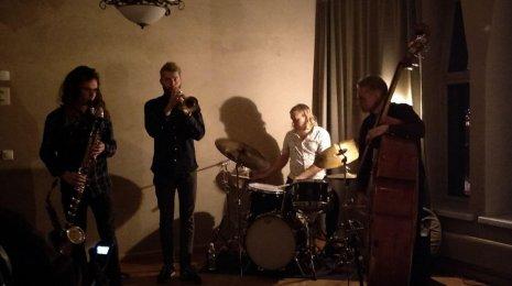 Jazzpossun Maxxxtet & Spring Roll -kilpailu