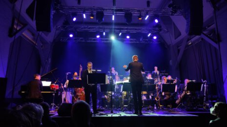 UMO Helsinki Jazz Orchestra feat. Linda May Han Oh – Firedancer
